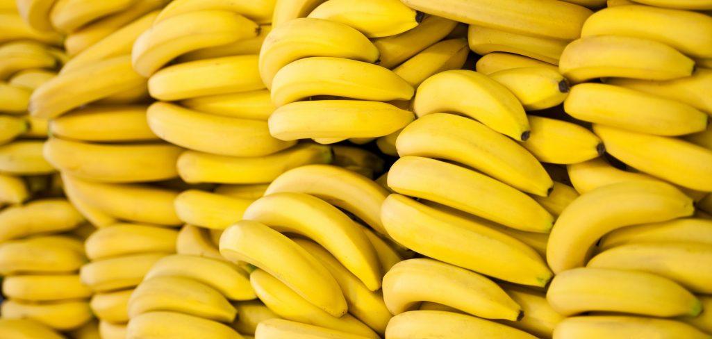 banany jedzenie